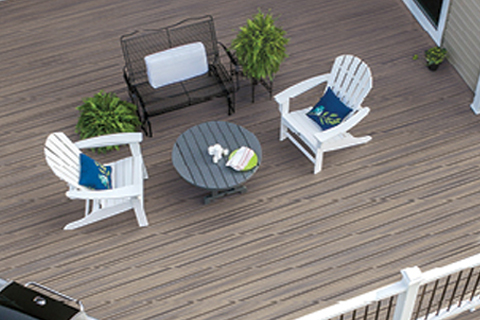 Birds-eye view of a Trex deck with outdoor furniture